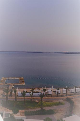 SEP 11 Floating in the Dead Sea at the Hilton (7)