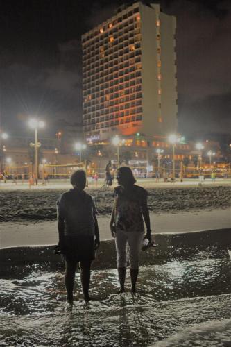 SEp 17 Night time in Tel Aviv on Mediteranean sea (26)