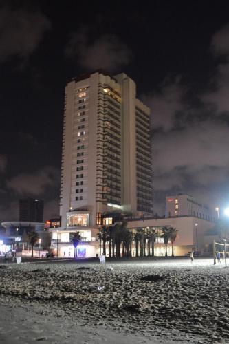 SEp 17 Night time in Tel Aviv on Mediteranean sea (43)
