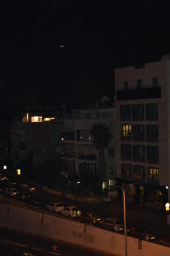SEp 17 Night time in Tel Aviv on Mediteranean sea (55)